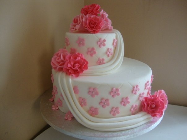 Pink and White Wedding Cake4 (W040)